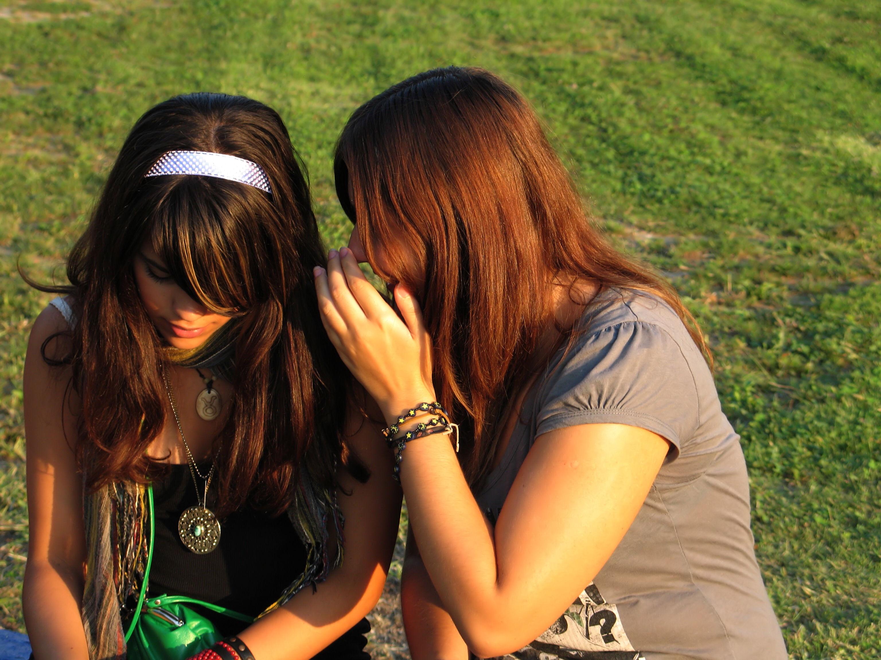Teruntuk Sahabat Terbaikku Yang Kini Enggan Bertegur Sapa Denganku